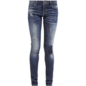 Guess CURVE Jeans Slim Fit guerrero