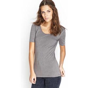 FOREVER21 T-Shirt mit U-Ausschnitt