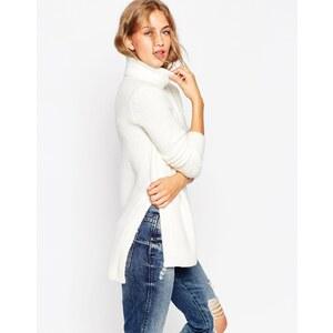 ASOS - Pullover aus gebürstetem Garn mit Rollkragen und seitlichen Schlitzen - Cremeweiß