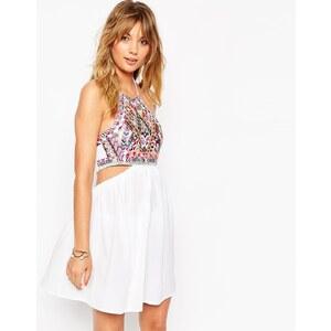 ASOS - Besticktes Strandkleid mit Zierausschnitten - Mehrfarbig
