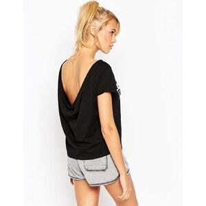 ASOS - T-Shirt mit U-Ausschnitt hinten und Don't Hate Meditate Print