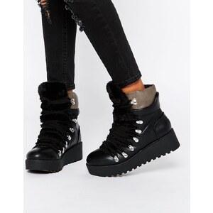 ASOS - REFEREE - Ankle-Boots mit flacher Plateausohle - Schwarz