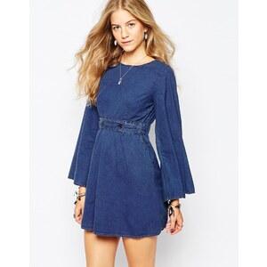 Vero Moda - Jeanskleid mit Gürtel im Stil der 70er Jahre - Blau