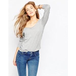 ASOS - The Off Shoulder - Schulterfreies Sweatshirt
