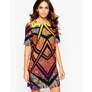 ASOS - Mini robe t-shirt à motif cachemire - Multi
