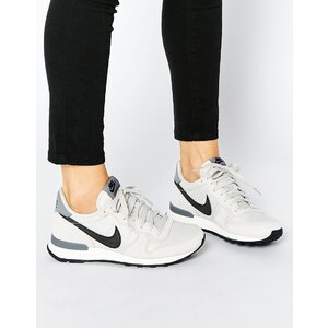 Nike - Internationalist - Sneakers in gebrochenem Weiß