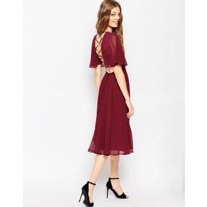 ASOS - Robe mi-longue avec manches style caftan et laçage au dos - Rouge