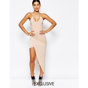 Club L - Kleid mit überkreuztem Vorderteil und asymmetrischem Saum - Nude