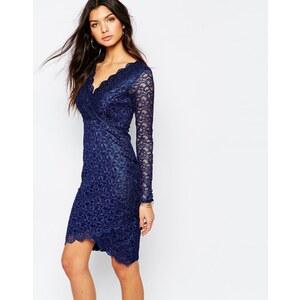 Michelle Keegan Loves Lipsy - Figurbetontes Kleid mit Spitze und asymmetrischem Saum - Marineblau-Metallic