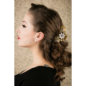 Celestine 20s Pearl Flower Jaw Hair Clip
