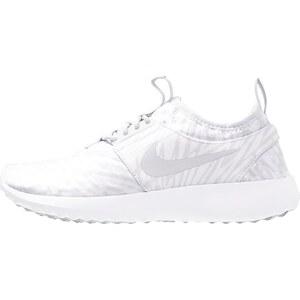 Nike Sportswear JUVENATE Sneaker low white/pure platinum/cool grey