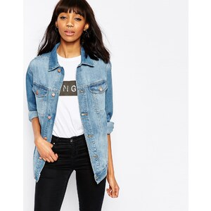 ASOS - Girlfriend-Jeansjacke in hübscher Vintage-Waschung - Mittlere Stone-Waschung in Blau