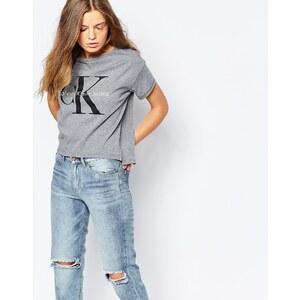 Calvin Klein Jeans - Kurz geschnittenes T-Shirt mit Logo