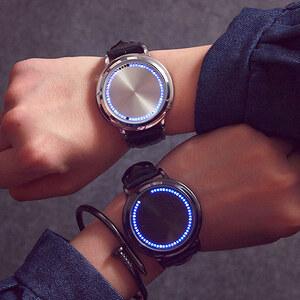 Lesara Montre à LED avec bracelet en cuir et fonction tactile