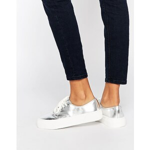 Pull&Bear - Metallic-Sneakers mit flacher Plateausohle