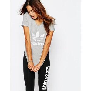 Adidas Originals - T-shirt ajusté avec logo trèfle - Gris