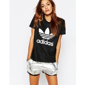 adidas Originals - Adicolor Deluxe - Leder-T-Shirt mit Dreiblatt-Logo - Schwarz