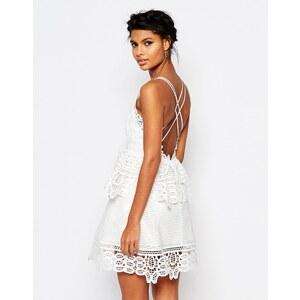 Self Portrait - Weißes Kleid mit Spitzenbesatz und Riemendesign hinten - Weiß