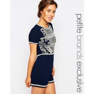 Maya Petite - Verzierter, kurzer Overall mit Rückenausschnitt - Marineblau