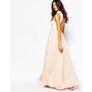 Fame And Partners - Downtown Queen - Maxi robe de fin d'année évasée à encolure montante - Rose