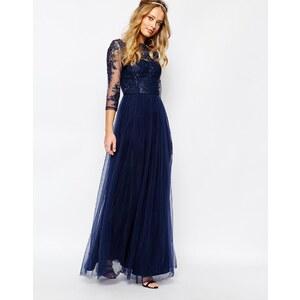 Chi Chi London - Robe longue à encolure Bardot en dentelle de qualité supérieure avec jupe en tulle - Bleu marine