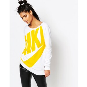 Nike - Rally - Boyfriend-Sweatshirt mit Rundhalsausschnitt und großem Logo - Weiß