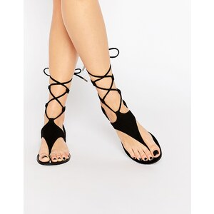 Kendall & Kylie - Faris - Flache Ghillie-Sandalen aus schwarzem Wildleder mit Schnürung - Schwarz