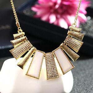 Lesara Statement-Halskette mit goldfarbenen Elementen - Weiß