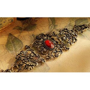 sammydress Retro Gorgeous Style Rhinestone Decorated Openwork Flower Shape Bracelet