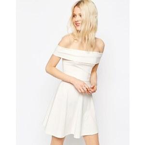 ASOS - Robe courte patineuse style Bardot à épaules dénudées - Crème