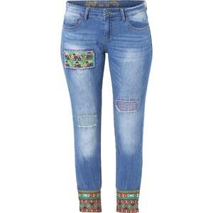 Desigual Jeans mit bunten Applikationen