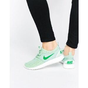 Nike - Juvenate - Sneakers in Emaillegrün - Grün