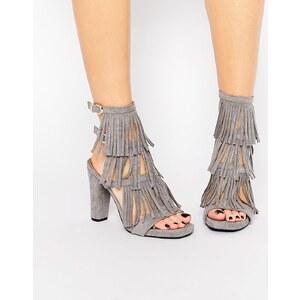 Glamorous – Hohe Sandalen mit Absatz und Fransen in Grau - Grau