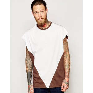 ASOS - T-shirt ultra oversize avec triangle contrastant - Rouille/Taupe - Rouge