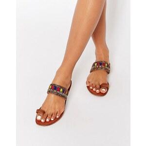 Glamorous - Verzierte Sandalen mit Zehenschlaufe
