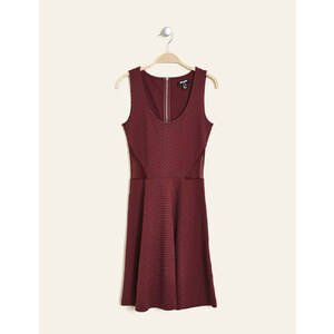 robe texturée évasée bordeaux Jennyfer
