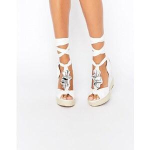 ASOS Verzierte Schuhe mit Keilabsatz und Tropenmuster - Weiß