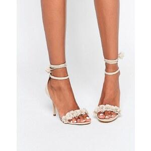 ALDO - Silalia - Sandaletten in Nude mit Schnürung und Bommeln - Bone