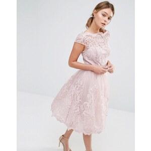 Chi Chi London - Robe de bal de fin d'année mi-longue en dentelle de haute qualité avec encolure style Bardot - Rose