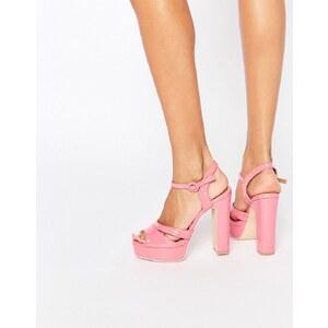 Public Desire - Penny - Sandalen mit Plateauabsatz in Rosa - Rosa Lackoptik
