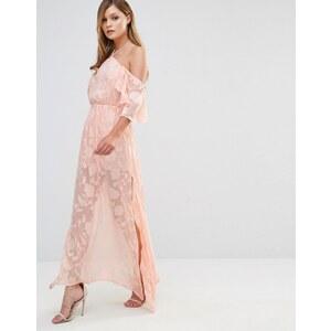 Dark Pink - Robe longue à volants et épaules dénudées - Rose