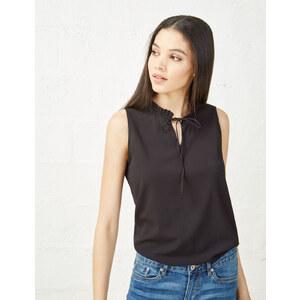 blouse col plissé noire Jennyfer