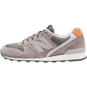 New Balance WR996 Baskets basses grey