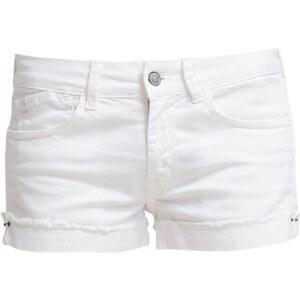 Le Temps Des Cerises Short en jean blanc