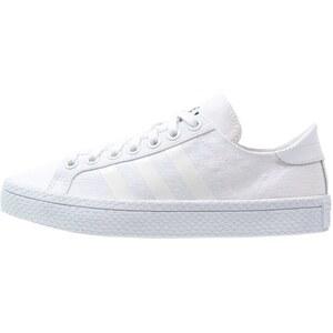 adidas Originals COURTVANTAGE Baskets basses white/core black
