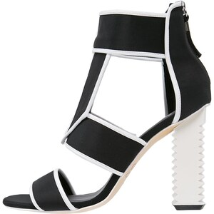 gx by Gwen Stefani MACAO Sandales classiques / Spartiates black/white