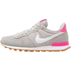 Nike Sportswear INTERNATIONALIST Baskets basses light iron ore/summit white/medium brown/pink