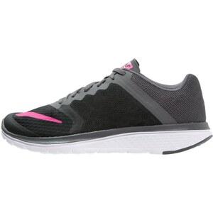 Nike Performance FS LITE RUN 3 Chaussures de running compétition black/pink blast/dark grey/white