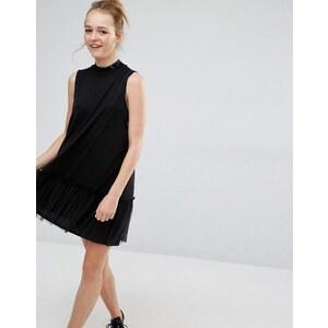 Monki - Kleid mit Rüschenbesatz - Schwarz
