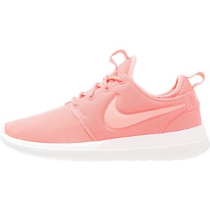 Nike Sportswear ROSHE TWO Baskets basses atomic pink/sail/turf orange